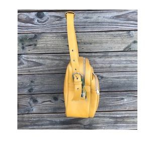 Vintage Bags - Vintage travel bag mustard goldenrod faux leather